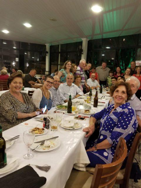Professora Paula Marconatto e sua turma