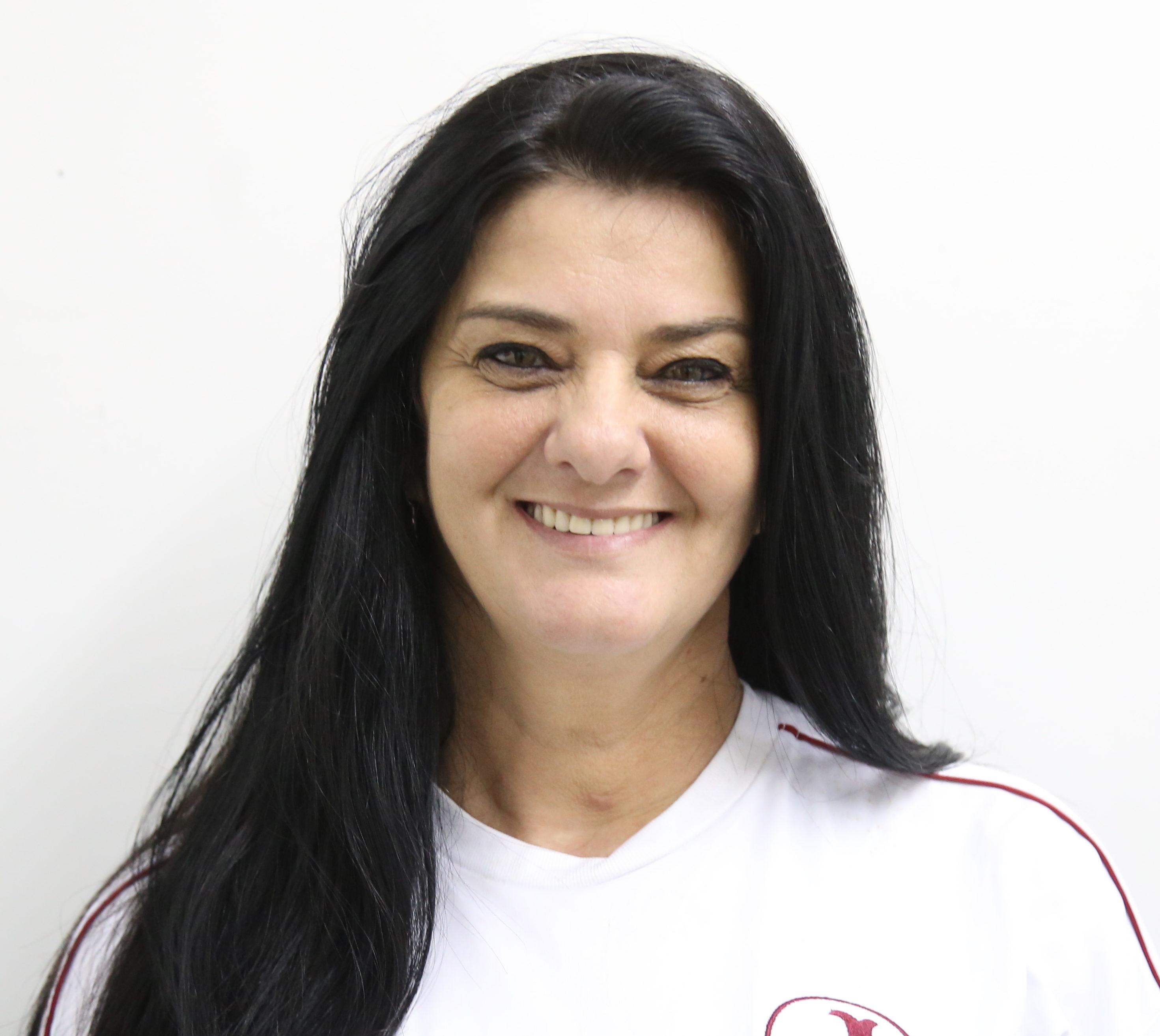 Angela Martinelli (Coordenadora)