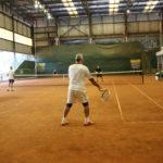 Quadra de tênis passa por reparos