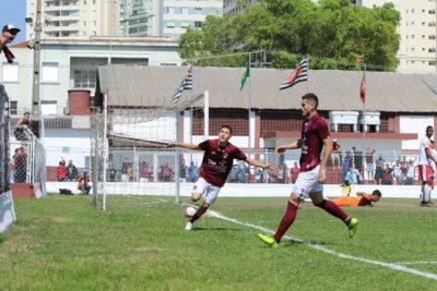 Portuga marca dois gols - Marcelo Germano/ C A Juventus