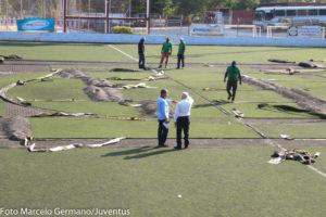 Reforma do campo - Foto: Marcelo Germano/ C A Juventus