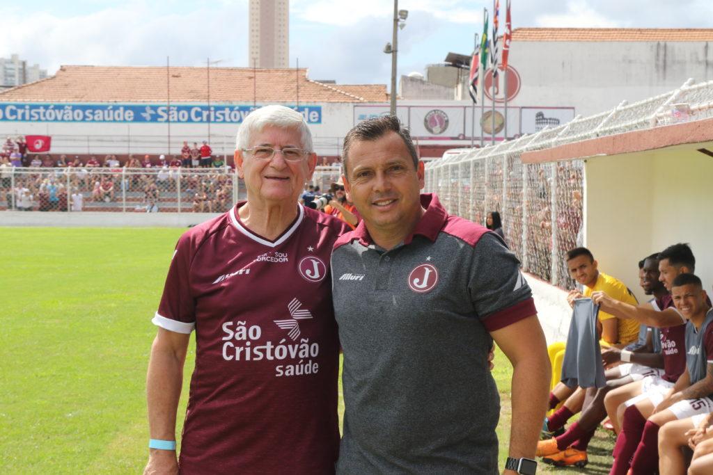 Presidente Domingos Sanches e técnico Alex Alves  - Foto: Marcelo Germano/ C A Juventus