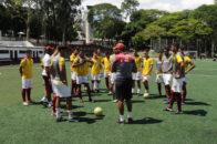 Técnico Marcel Barbosa comanda treino da equipe Sub-20. Foto: Marcelo Germano/  C A Juventus