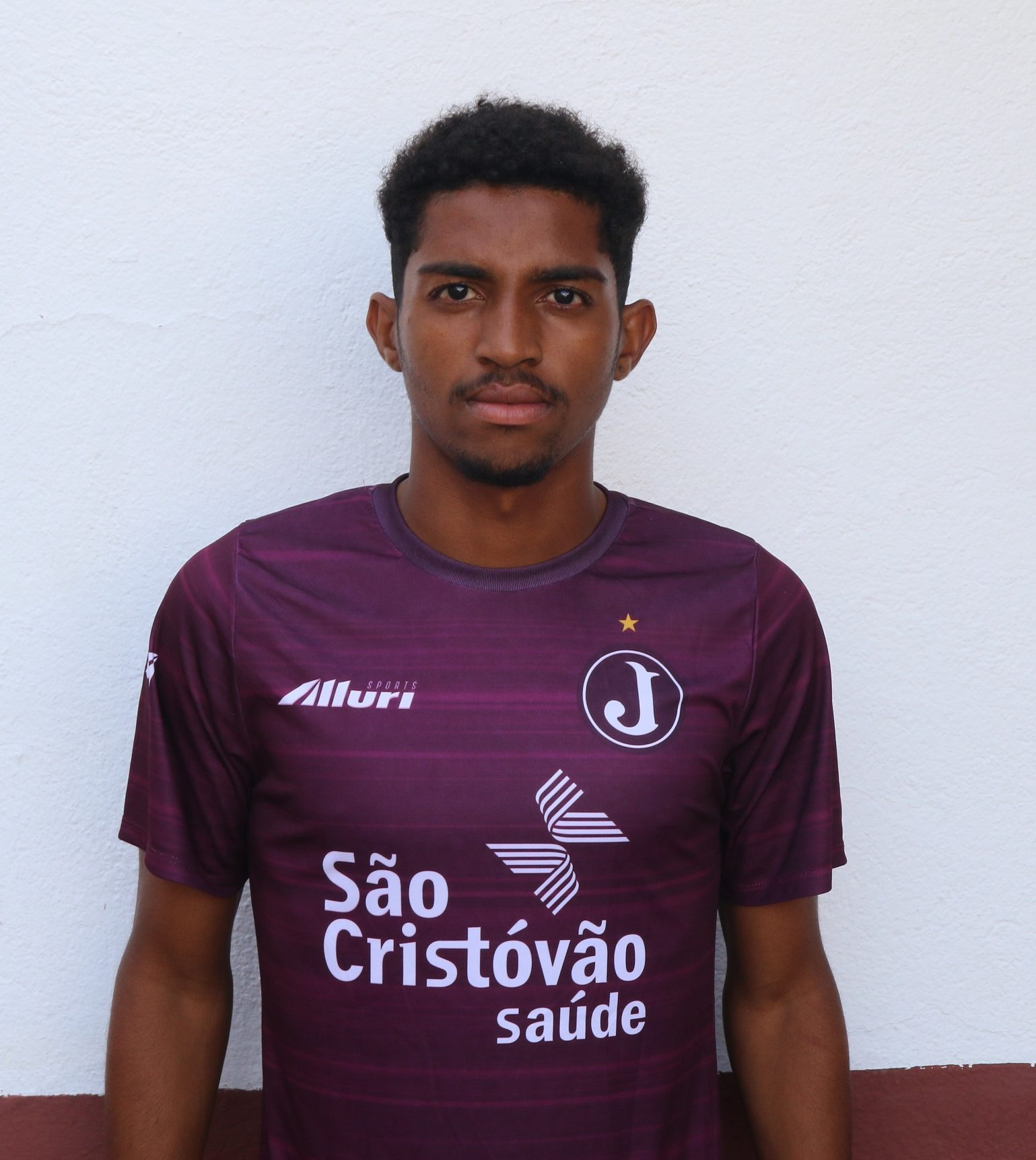 Gustavo – lateral