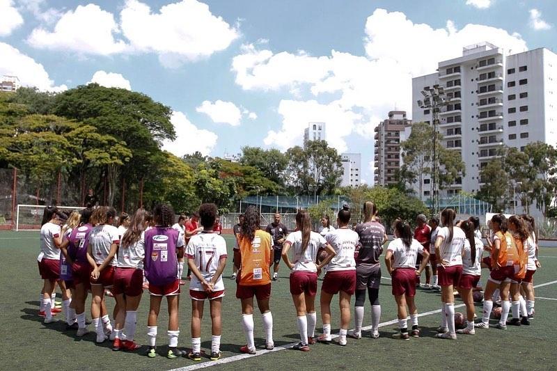 treino futebol feminino2
