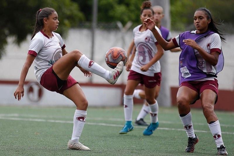 treino futebol feminino5